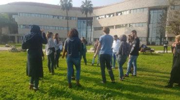 למידה-חוץ-כיתתית-הדשגמה-בנושא-חינוך-וריבוד-חברתי (1)