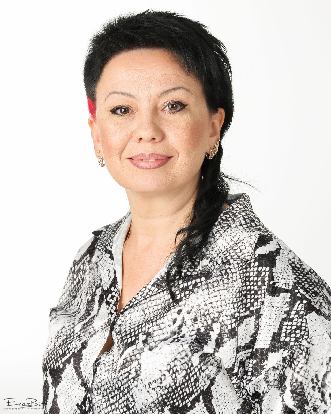 Dr. Oksana Nir